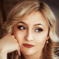Женский портрет :: Валерия Ступина