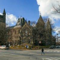 """Вид правой части """"University College"""" (одного из колледжей университета Торонто) :: Юрий Поляков"""