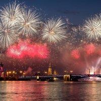 Питерский салют. Алые паруса-2017 :: Nataliya Markova