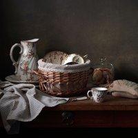 С посудой :: Елена Татульян