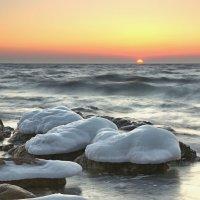 Холодное море. :: Сергей