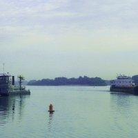 Судоходство на реке Дон. Раннее утро :: татьяна