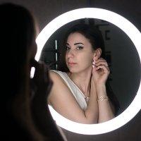 Отражение в зеркале :: Оксана Романова