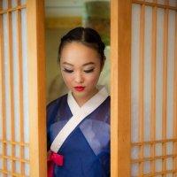 девушка в корейском национальном костюме Ханбок :: Ilona An