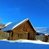 ...низкий дом без меня ссутулился.... :: Сергей