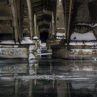 под мостом :: Геннадий Свистов