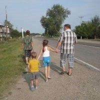 Путь вдоль шоссе :: Олег Афанасьевич Сергеев