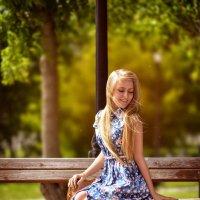 Девушка в парке :: Екатерина Потапова