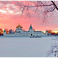Храм. Кострома. :: Олег Савицкий