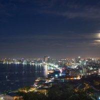 Таиланд,Паттая ночью :: Евгений Мергалиев