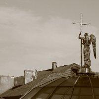 Ангел над крышами города :: Владимир Марков