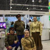 Танец казачки :: Наталья Золотых-Сибирская