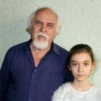 Дед с внучкой :: Светлана