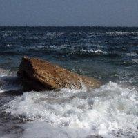 кипит волна... :: Людмила