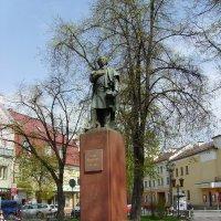 Памятник   Адаму   Мицкевичу   в    Ивано - Франковске :: Андрей  Васильевич Коляскин