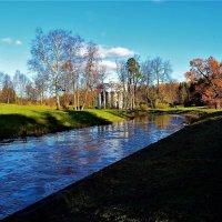 Тенистый берег у Славянки реки... :: Sergey Gordoff