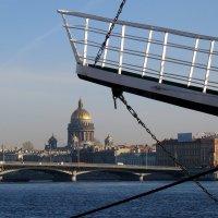 Вид на Благовещенский мост и Исаакиевский собор с набережной Лейтенанта Шмидта, :: Елена Павлова (Смолова)