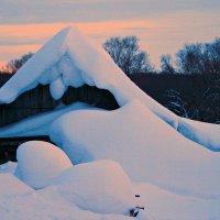 Зима всё злится, злится - не хочет уходить ... :: Евгений Юрков