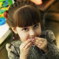 Детство всегда пахнет шоколадом) :: Анжелика Искрицкая