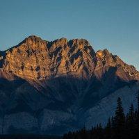 горы на рассвете, нет прекраснее на свете :: Константин Шабалин