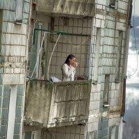 Любительница кофе на свежем воздухе в экстремальных условиях. :: Анатолий. Chesnavik.