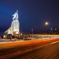 памятник «Рабочий и колхозница», г.Москва :: Юрий Лобачев