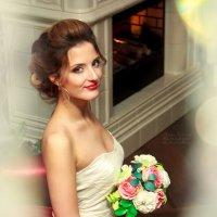 Невеста у камина :: Алёна Куценко