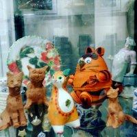 Выставка кошек в Люберецкой Областной Библиотеке им. С. Есенина ул. Волковская д. 5а :: Ольга Кривых