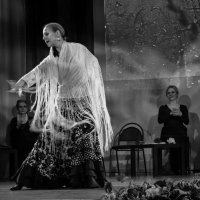 танец с шалью :: Ольга Лиманская