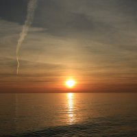 На закате солнечного дня :: valeriy khlopunov