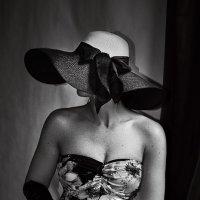 Шляпки,бантики,перчатки. :: Lidija Abeltinja