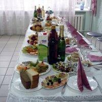 Стол для молодожонев готов :: Олег Афанасьевич Сергеев