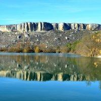 Опрокинулось в озеро синее небо... :: Ольга Голубева