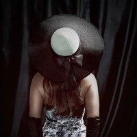 Шляпки,бантики,перчатки... :: Lidija Abeltinja