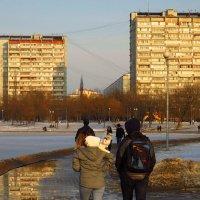На плечах хозяйки совсем не страшно :: Андрей Лукьянов