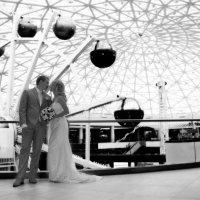 жених и невеста у атракционов :: Егор Чеботаренко