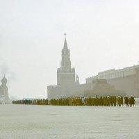 Утренний смог на Красной площади :: Сергей Тарабара