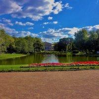 Солнечный день в Юсуповском Саду... :: Sergey Gordoff