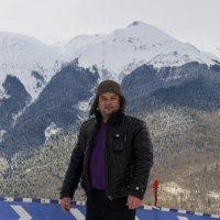 На фоне гор... :: Дмитрий Петренко