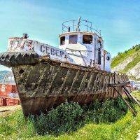 Байкал... Умирающий корабль. :: Надежда