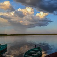 лодки ждут погоды :: сергей
