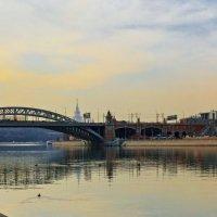 Вид на Новоандреевский мост :: Сергей Басов