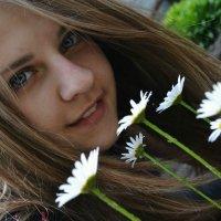 В саду... :: Tanya Marchuk