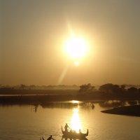 Закат , Бирма :: Наталья Елизарова