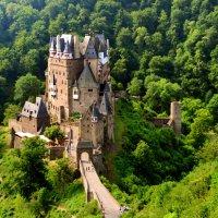 Burg Eltz :: человечик prikolist