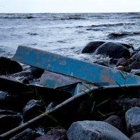 разбитая лодка :: Наталья Ремини
