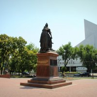 Памятник Елизавете Петровне :: Марина Труфанова