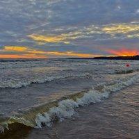 ласковый пляж... :: Ирэна Мазакина
