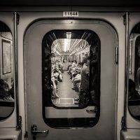 Metro :: Pavel Slusar