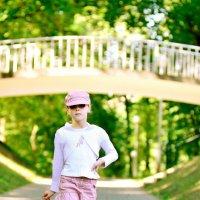 Походка для прогулки по парку. :: Павел Сущёнок
